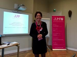 Véranne qui anime un workshop sur l'ambition