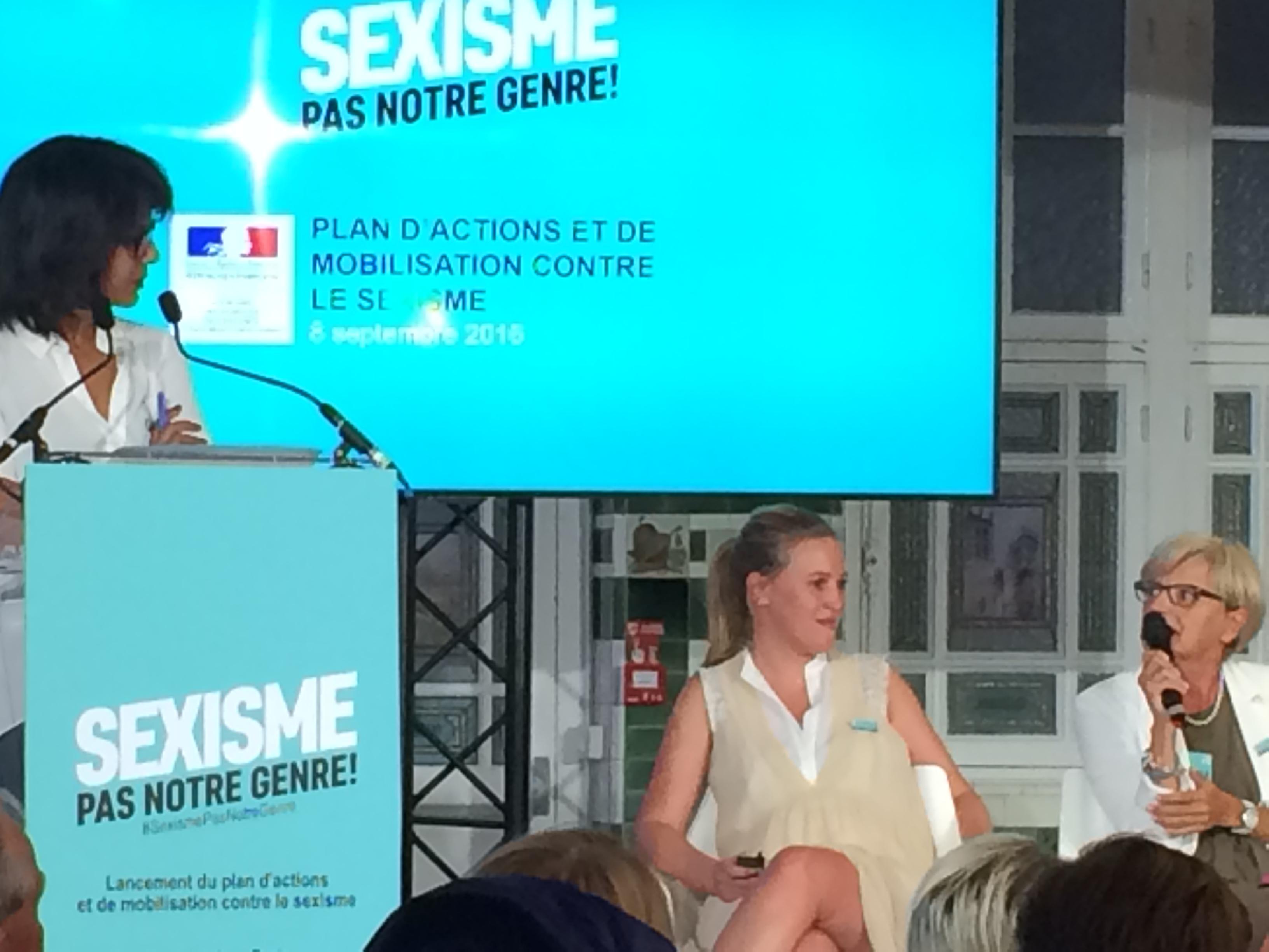 Marie_françoise intervient, interrogée par la journaliste Audrey Pulvar.